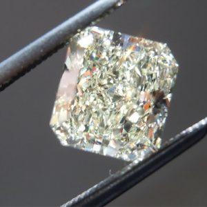 Kim cương nhân tạo Moissanite Cushion 8ly5