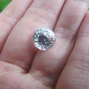 Kim cương nhân tạo Moissanite Round 9ly
