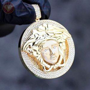 Mặt dây chuyền nam kim cương Versace nổi