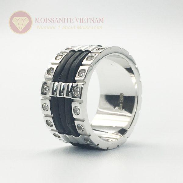 Nhẫn nam kim cương nhân tạo moissanite 3 line black 1