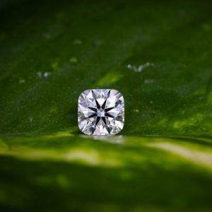Kim cương nhân tạo Moissanite Cushion 4ly5