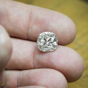 Kim cương nhân tạo Moissanite Cushion 6ly