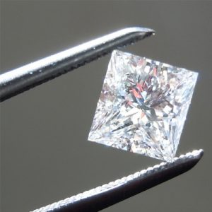Kim cương nhân tạo Moissanite Princess 11ly