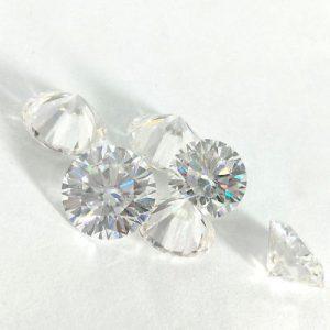 Kim cương nhân tạo Moissanite Round 5ly4
