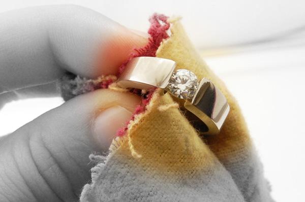 Sửa chữa và bảo quản kim cương nhân tạo Moissanite