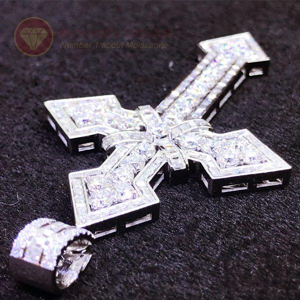 Mặt dây chuyền thánh giá kim cương nhân tạo moissanite 4