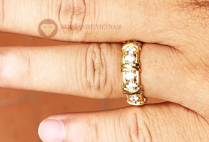 Nhẫn kim cương tự nhiên tiffany eternity ring vàng 18k 6