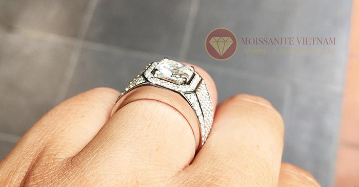Nhẫn nam kim cương nhân tạo chủ asscher 8x8 6