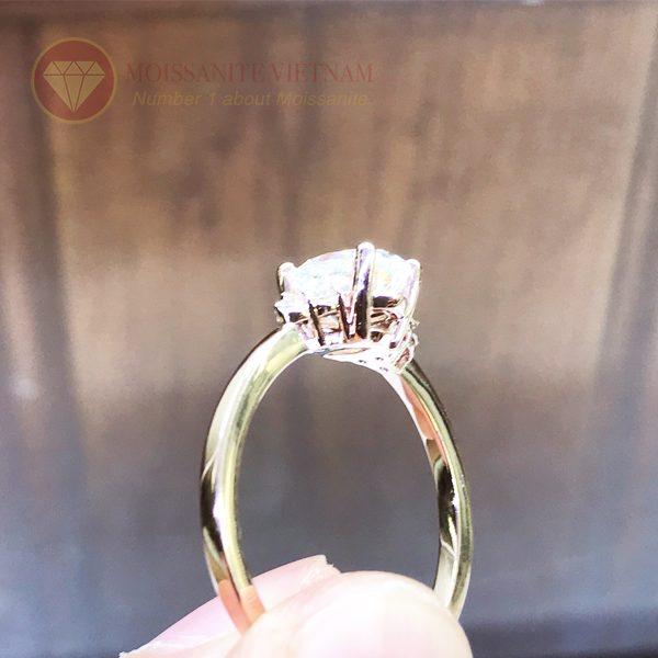 Nhẫn nữ kim cương nhân tạo moissanite chủ oval vàng hồng 18k 3