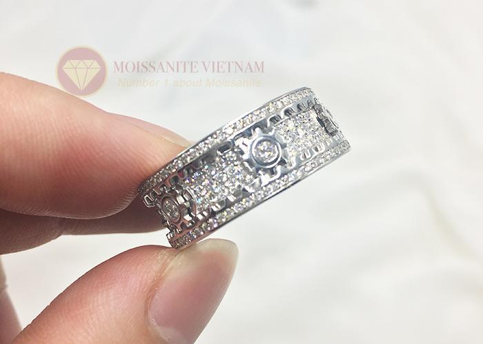 Nhẫn xoay Kitnet full kim cương nhân tạo moissanite 10