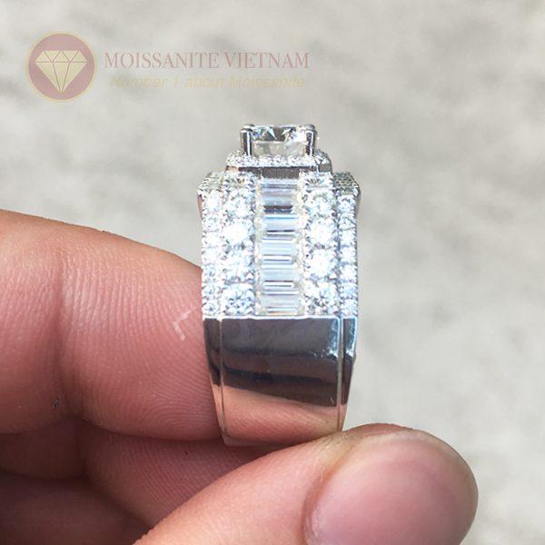 Nhẫn nam full kim cương nhân tạo moissanite baguette 1