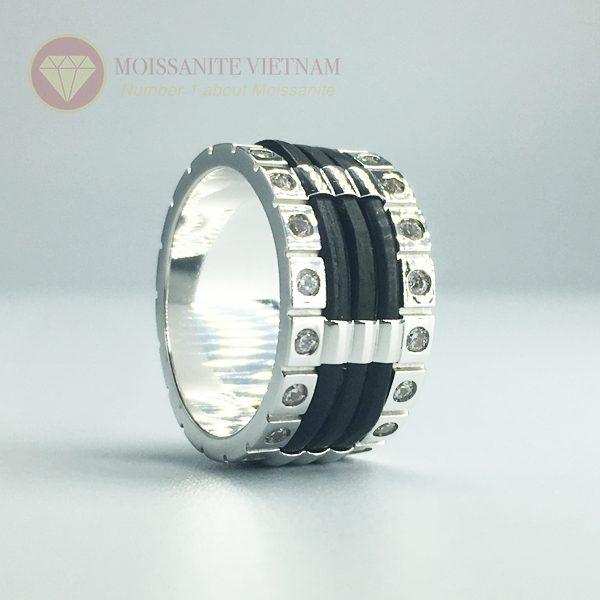 Nhẫn nam kim cương nhân tạo moissanite 3 line black 2