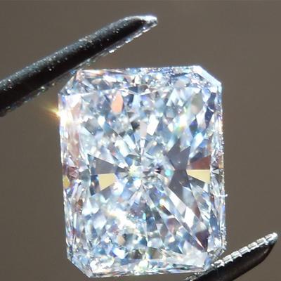 Giác cắt kim cương moissanite radiant