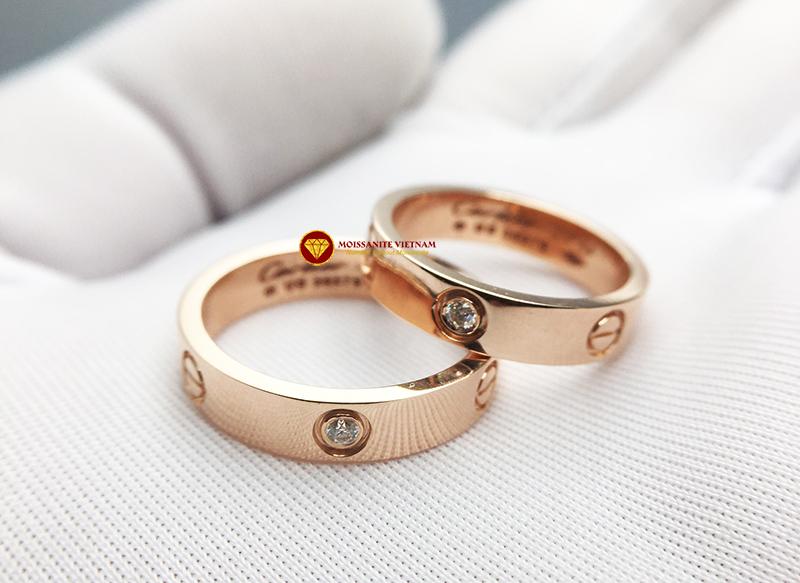 Nhẫn tình yêu Love Ring 1 viên xoàn Mỹ moissanite vàng hồng 18k 3