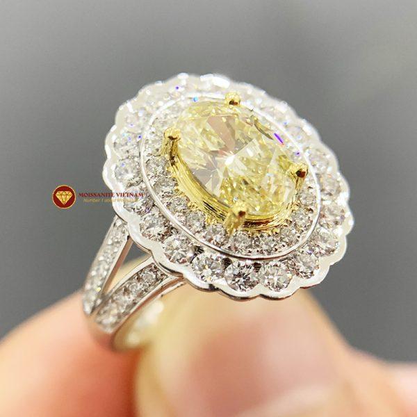Nhẫn kim cương thiên nhiên nữ chủ oval yellow fancy 6x8 1