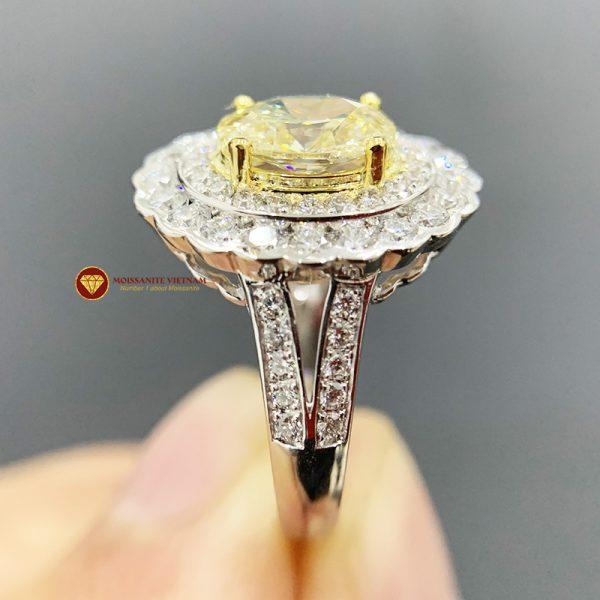 Nhẫn kim cương thiên nhiên nữ chủ oval yellow fancy 6x8 2