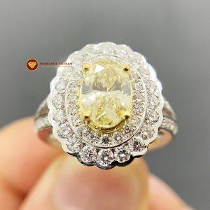 Nhẫn kim cương thiên nhiên nữ chủ oval yellow fancy 6x8
